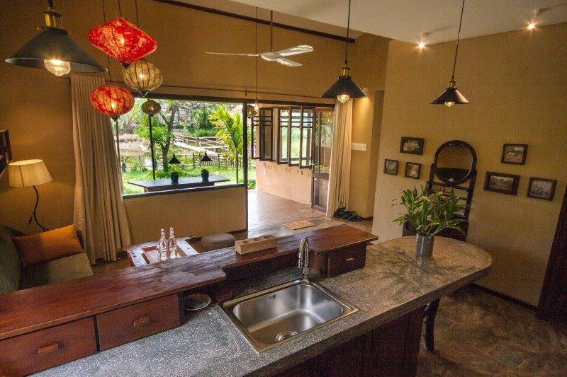 Meditation Retreat Vietnam - Write Your Journey: An Villa Boutique Resort Hoi An, Kitchen and Living Area with terrace facing the garden
